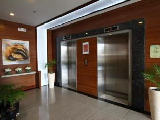 Dohera Hotel Mandaue - Лоби