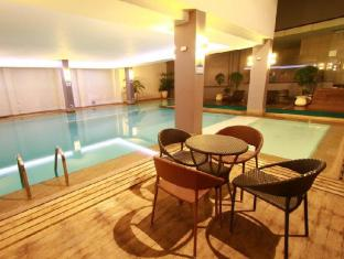Dohera Hotel Mandaue Stadt - Schwimmbad