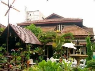 Baan Somboon Guesthouse บ้าน สมบุญ เกสท์เฮาส์