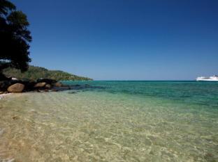 Blue Beach Club & Resort Phuket - Beach