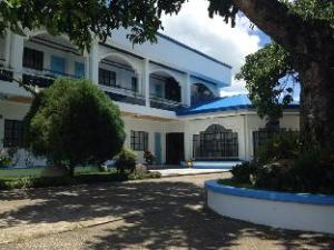 Suburbia Garden Hotel