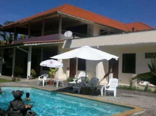 Elephant Guesthouse Phuket - Swimming Pool
