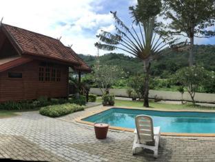 Elephant Guesthouse Phuket - View