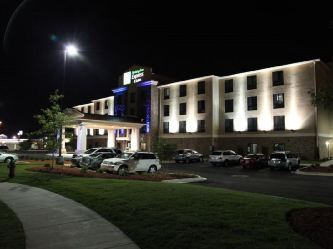 Holiday Inn Express And Suites Huntsville Airport