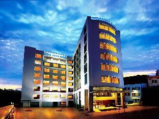Best Hotels In Ernakulam South Beaumonde The Fern