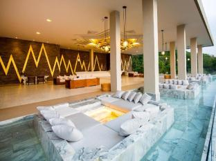 Avista Hideaway Resort & Spa Phuket Phuket - Lobby with Sunken Pod - Sitting Area