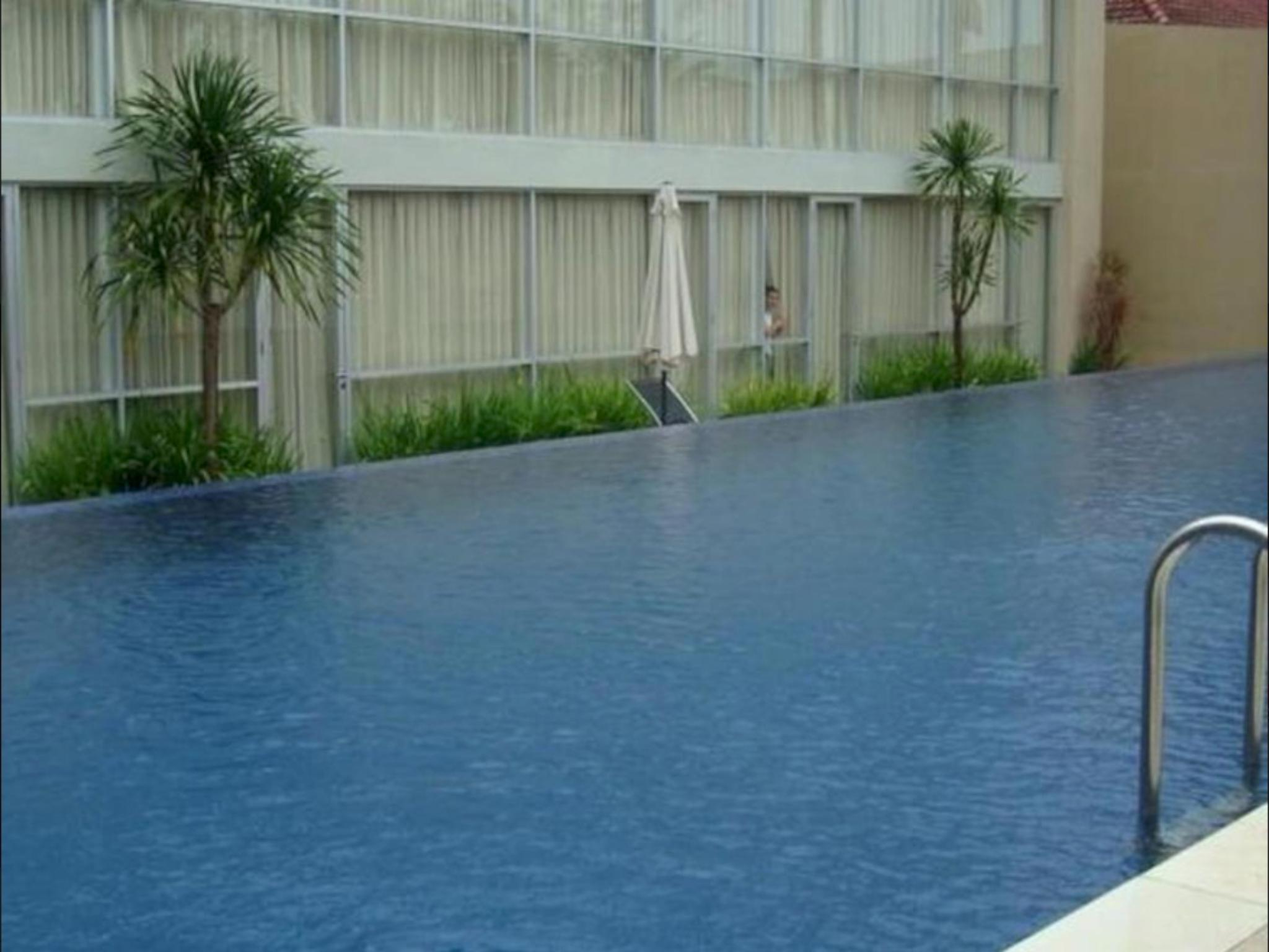 royal hotel n lounge in indonesia asia