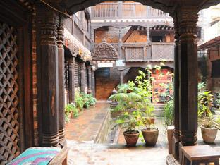 Peacock Guest House Bhaktapur - The Courtyard