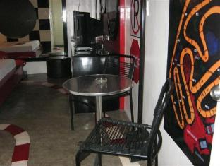 Hotel Sogo Quirino Motor Drive Inn Manila - Svečių kambarys