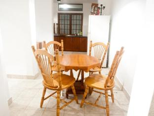 Lavinia Villa Colombo - Kitchen
