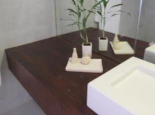 Lavinia Villa Colombo - Bathroom