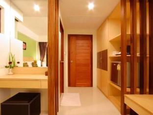 Kalim Beach Place Phuket - Hotellet från insidan