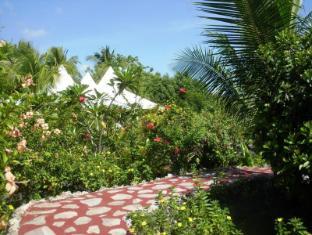 Maia's Beach Resort Bantayan Island - Garden