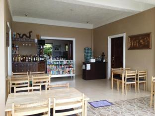 Camotes Flying Fish Resort Camotes Islands - Restaurant