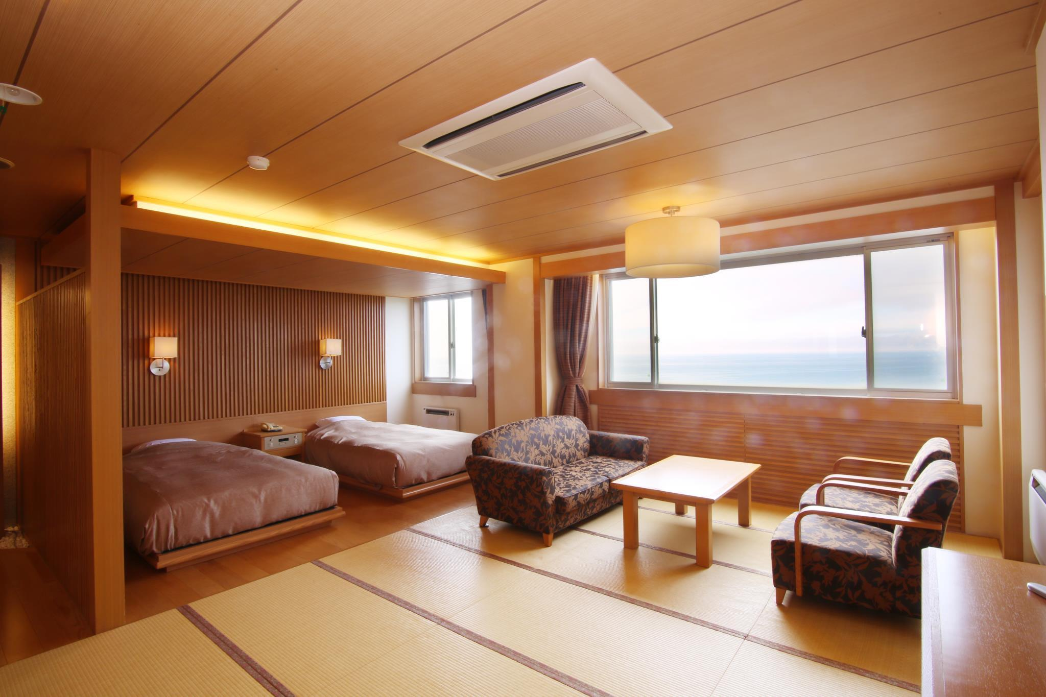 Deluxe Room with Tatami Area for 4 People
