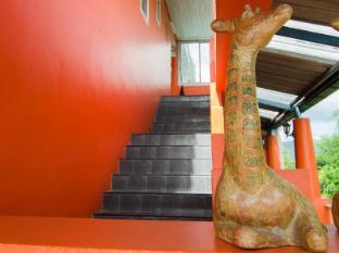 The Orange Pier Guesthouse Phuket - Stairway