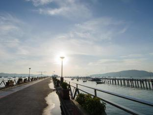 The Orange Pier Guesthouse Phuket - Nearby Attraction