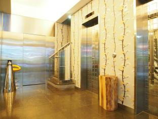 Printemp Hotel Apartment Hong Kong - Hotel Lift Lobby