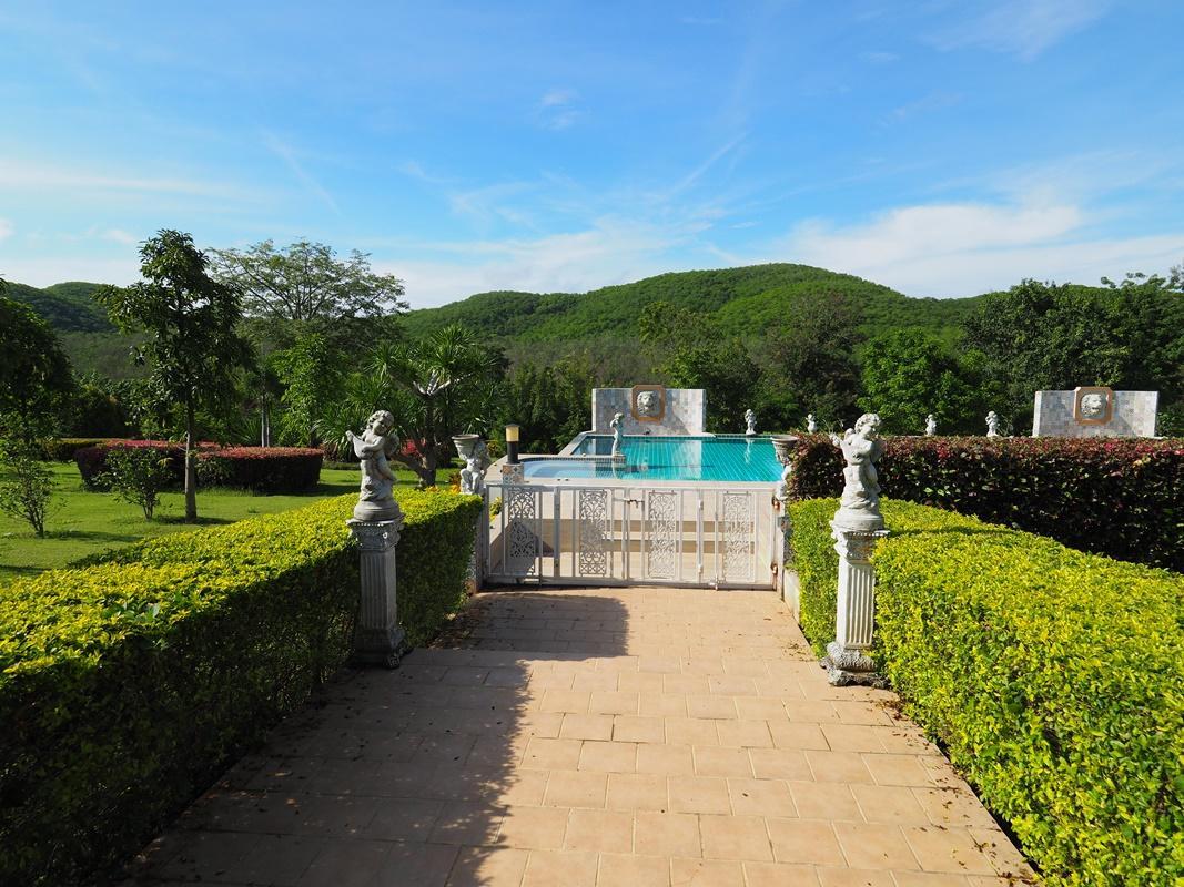 Review Baan Ing Khao Resort