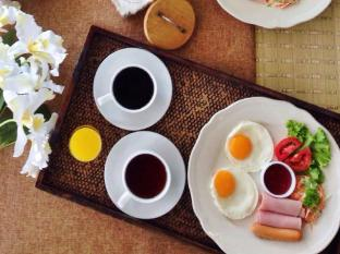 Tapae Place Hotel Chiang Mai - Food and Beverages