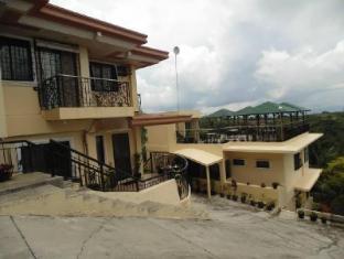 Royal Taal Inn Tagaytay - outside view