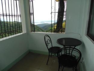 Royal Taal Inn Tagaytay - Balcony/Terrace