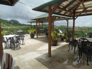 Royal Taal Inn Tagaytay - Surroundings