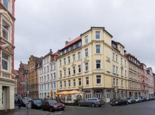 /es-es/conzeptplus-bed-and-breakfast/hotel/hannover-de.html?asq=vrkGgIUsL%2bbahMd1T3QaFc8vtOD6pz9C2Mlrix6aGww%3d