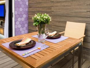 V Wanchai Hotel Hong Kong - Studio with Terrace Garden