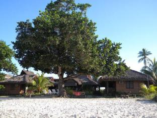 Bitaug Beach Resort Panglao Island - נוף