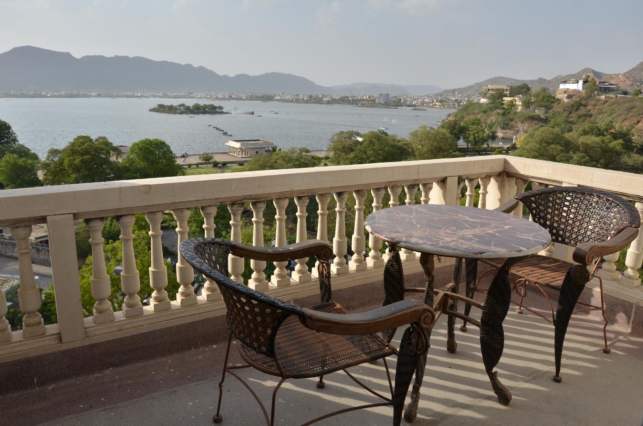 Hotel Merwara Estate