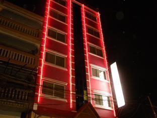 Nalita Guesthouse Phnom Penh - Building View at night