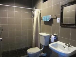 Brookes Terrace Kuching - Bathroom