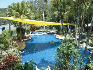 BIG4 Airlie Cove Resort and Caravan Park Whitsunday Islands - Swimmingpool