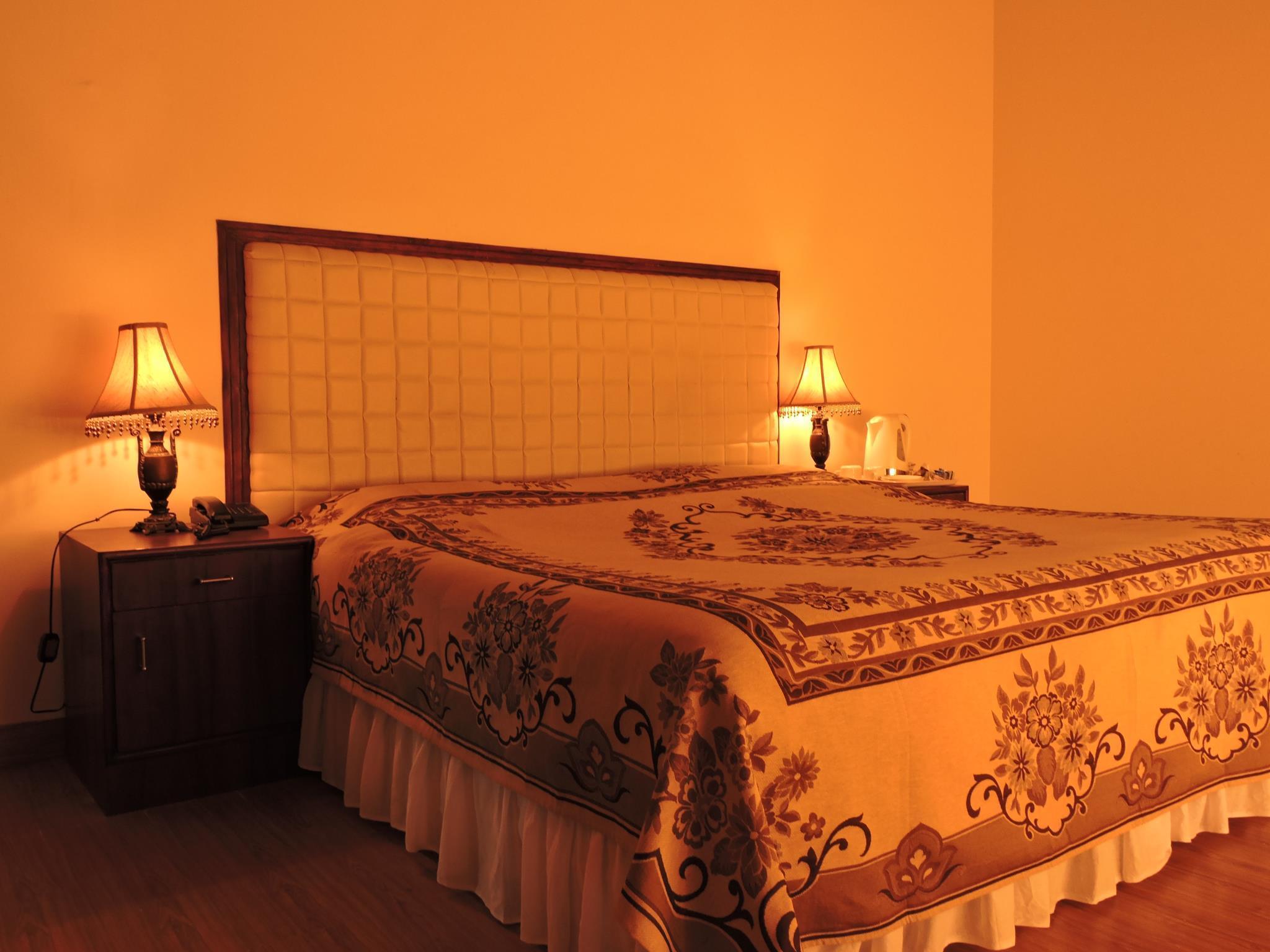 Hotel Travellers Paradise Naukuchiatal