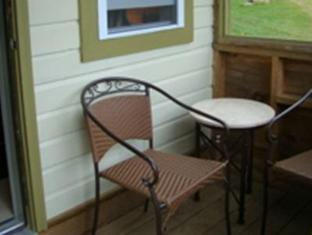 Bay Leaf Cottages & Bistro Lincolnville (ME) - Balcony/Terrace