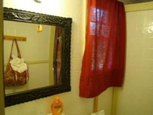 Bay Leaf Cottages & Bistro Lincolnville (ME) - Bathroom