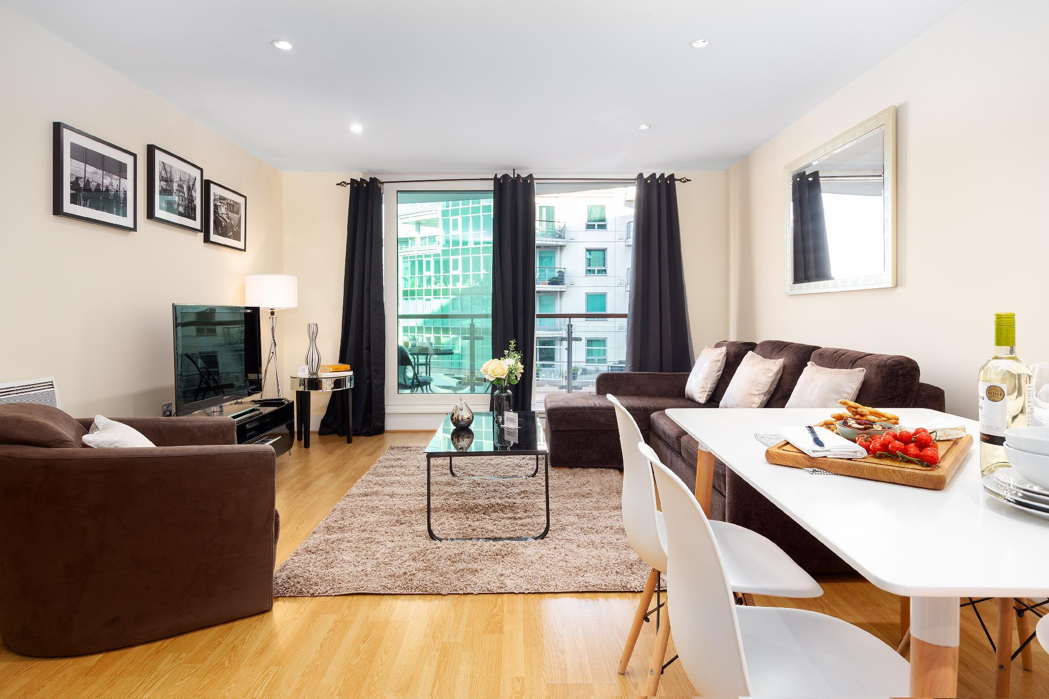 St. Georges Wharf Serviced Apartments by TheSqua.re