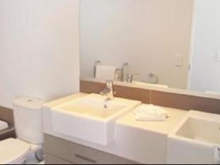 Boulcott Suites Wellington - Bathroom