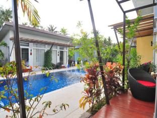 Phu NaNa Boutique Hotel Phuket - Rõdu/Terrass