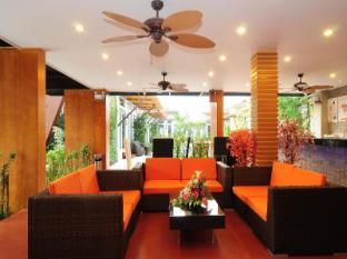 Phu NaNa Boutique Hotel Phuket - Fuajee