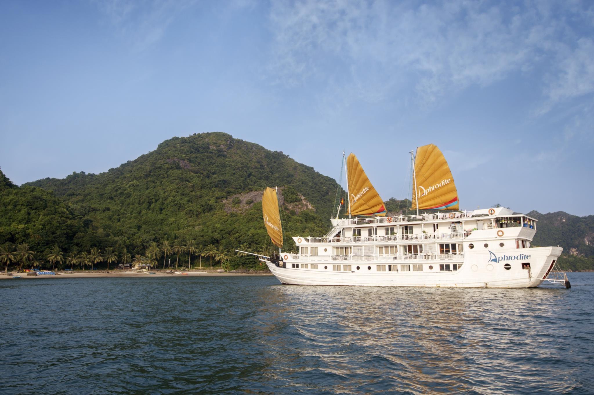 Aphrodite Cruises Halong