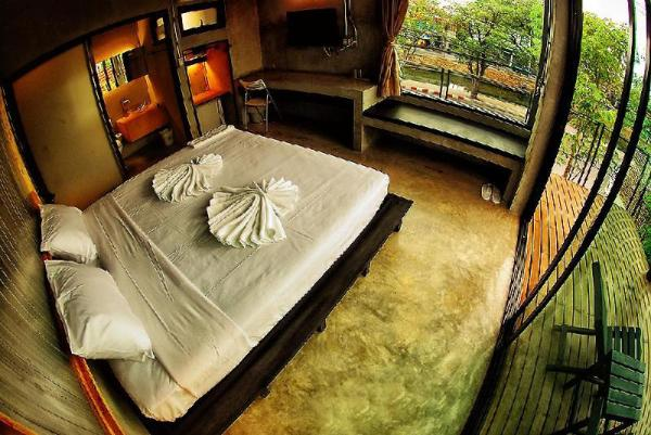 Born 2 Sleep Hotel Chiang Mai