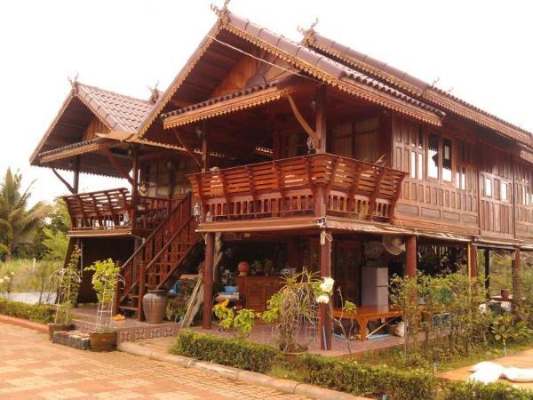 Ruenthai Rimnam Resort Surat Thani