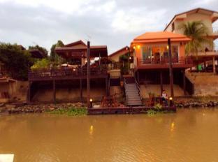 The Seven Seas Riverside Ayutthaya