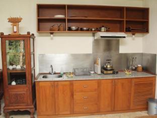 Villa Prana Shanti Bali - kitchenette