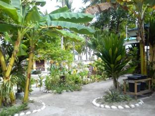 Sunday Flower Beach Hotel and Resort Bantayan Island - حديقة