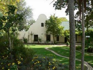Zandberg Country House