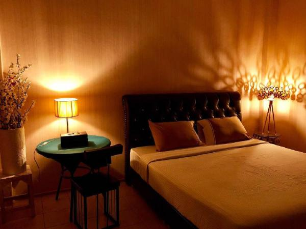 Red Duck Guesthouse Phuket
