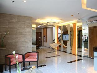 picture 3 of St. Mark Hotel